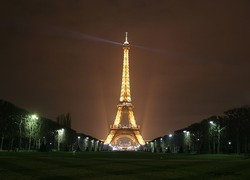 Normal_eiffel-tower-1064991_960_720