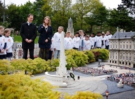 Normal_nationale_kinderherdenking__madurodam